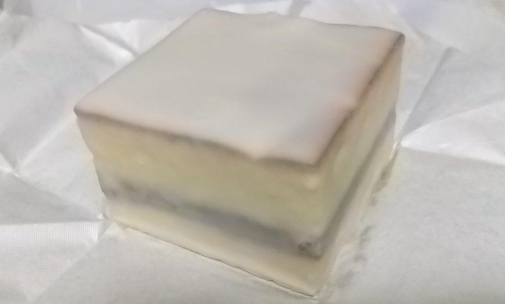 test ツイッターメディア - すごく好き。鈴屋のデラックスケーキ https://t.co/bYM1RhxWQH