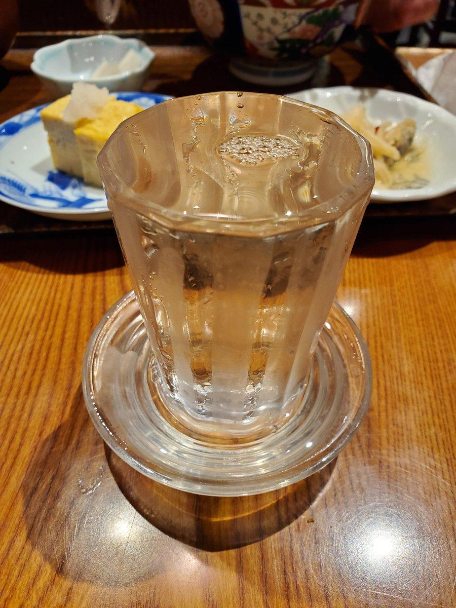 test ツイッターメディア - 今日は東京の日本酒!! ……とは言っても23区にはほぼ酒蔵が無いので「東京の日本酒」といえば多摩と島々のものなのである! こちらは東村山市の豊島屋酒造さんの「屋守」ってやつです 透き通った辛口でとても美味い(*´ω`) #多摩の日本酒 https://t.co/exmPe8UMtL