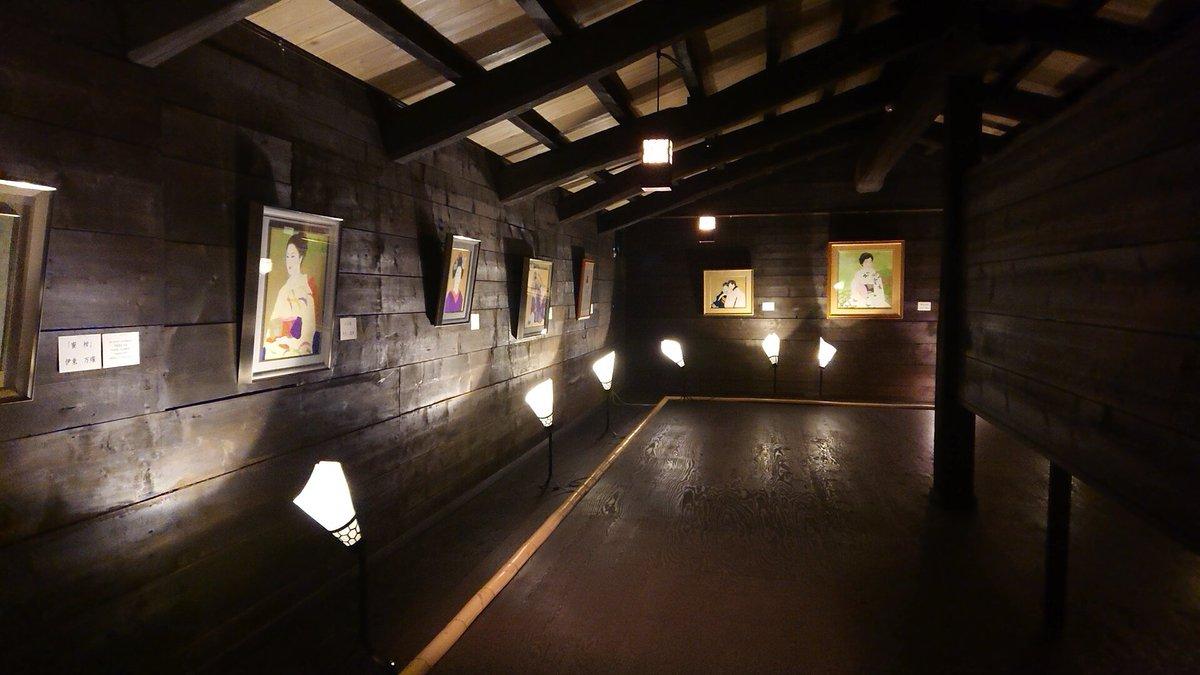 test ツイッターメディア - 上諏訪にある #伊東近代美術館 は百年を越す古民家を改築して作られて伊東酒造の創業者伊東充氏が収集した日本画や彫刻を展示。直接の親交があった伊東深水(親戚とかではないらしい)平櫛田中等を趣のある室内外に飾る。田中の鏡獅子や天心先生に会うとは思っていなかったのでちょっとびっくりです。 https://t.co/65IEn6a3zd
