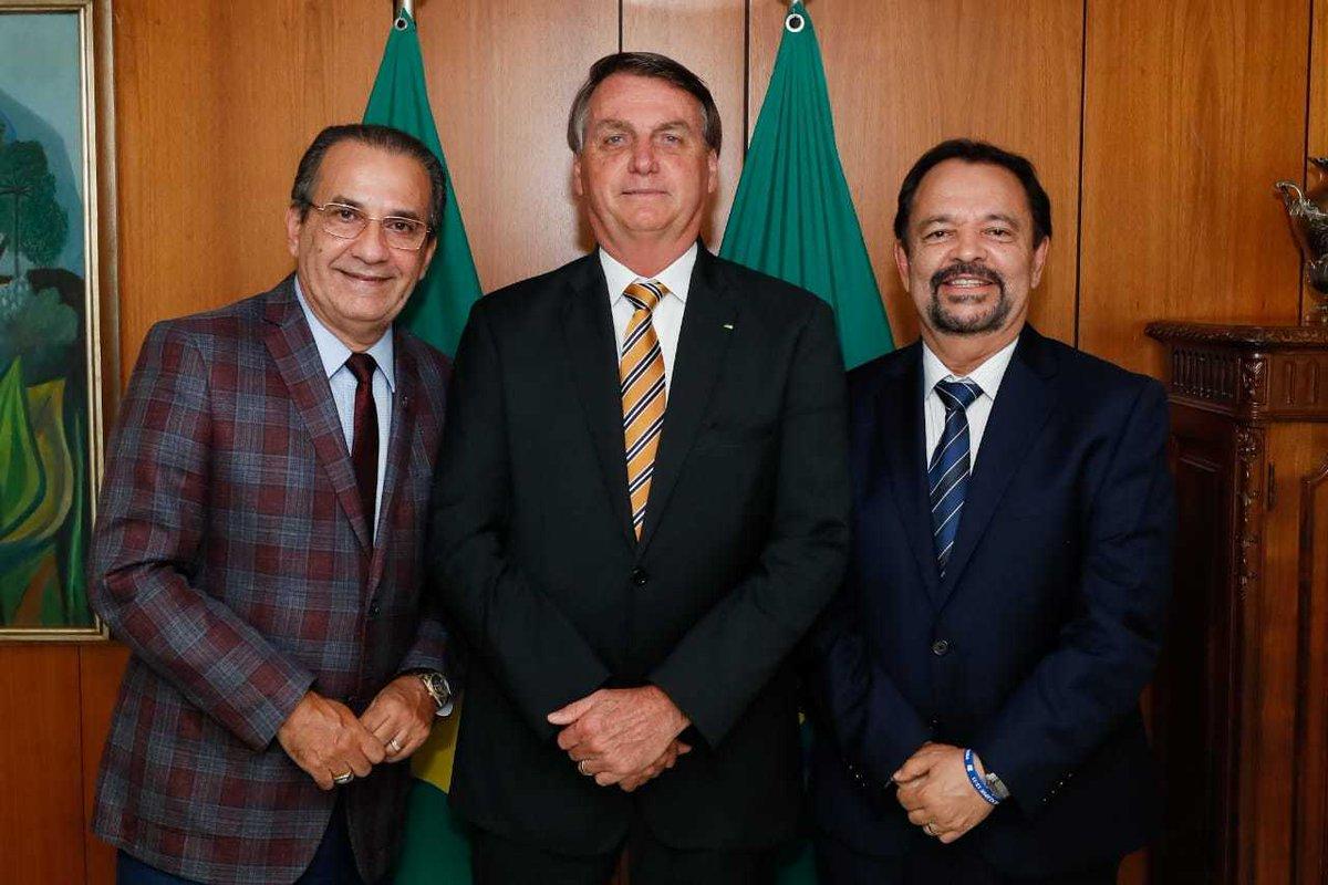 Eu, Bolsonaro e apóstolo César Augusto num bate-papo sobre o Brasil agora à tarde