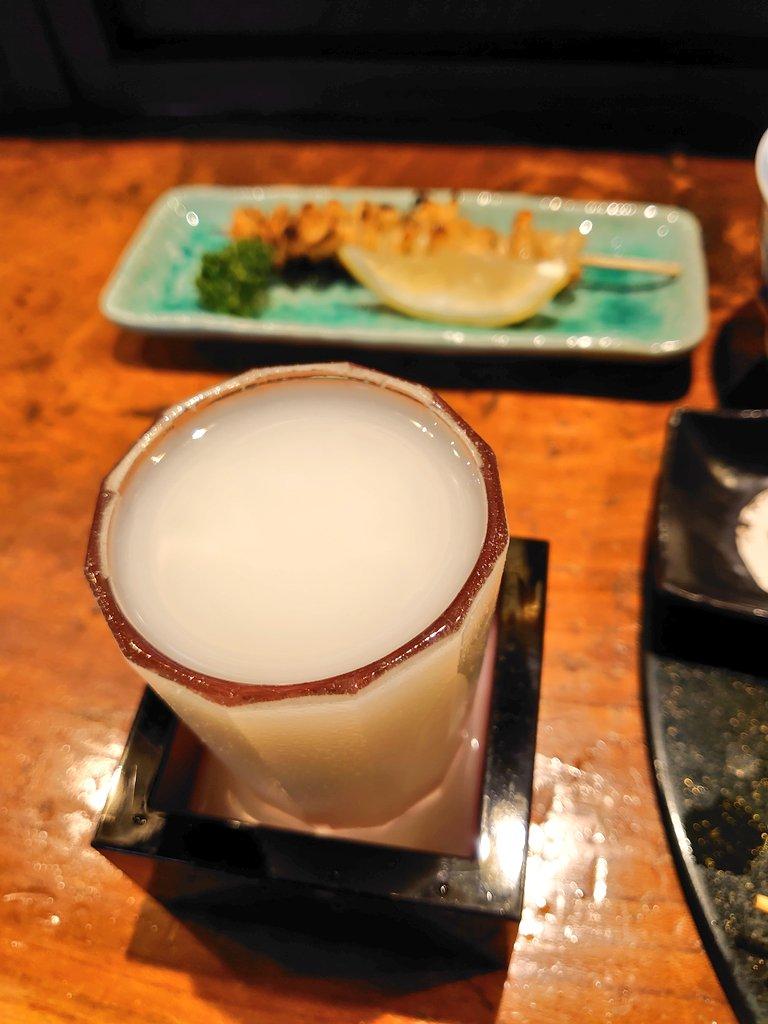 test ツイッターメディア - 今晩は、鳥益さんへ。 ボトルの写真が撮れなかったけど、 泉川 花泉 にごり 廣戸川 をいただきました😄 会津と言えばやっぱり馬刺しですね😋 https://t.co/3O8GwSOvu3