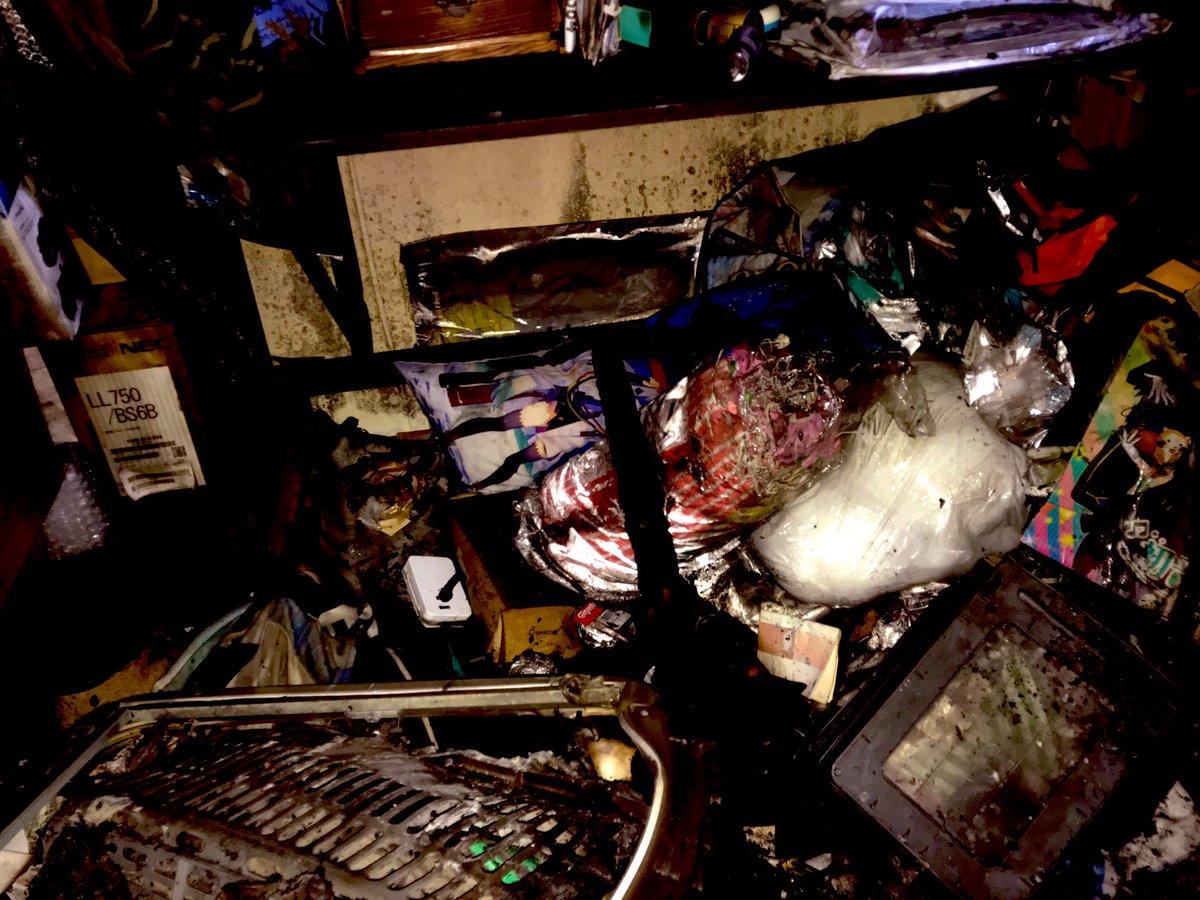 コロナ シュープリーム 父母 月日 火事に関連した画像-04