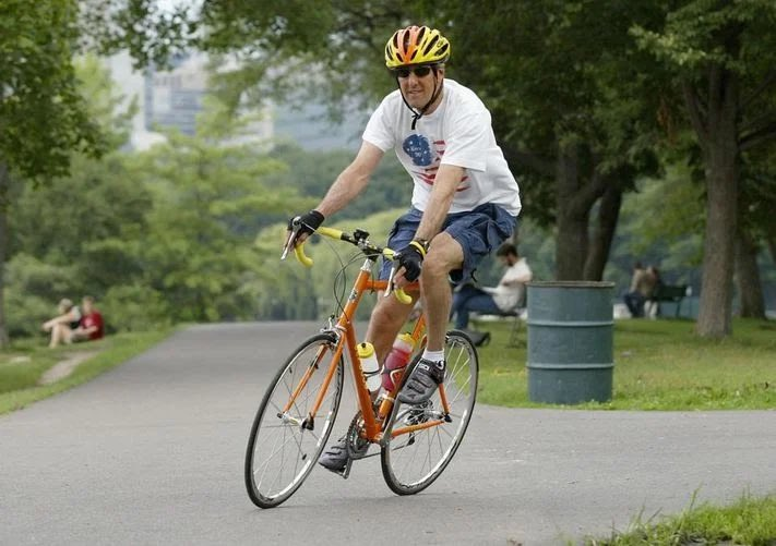 test Twitter Media - Bicycling-crazy John Kerry to become US climate change ambassador in President Biden's administration. https://t.co/MPczLDvu9l https://t.co/PQATNO20dN https://t.co/KtsLhSzPGI