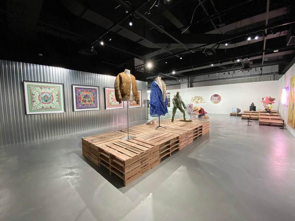 test ツイッターメディア - 『ワンピース』題材のアート展「BUSTERCALL=ONE PIECE展」横浜で開催、限定アパレルグッズ多数登場 - https://t.co/bb36bTy67K https://t.co/OLYM3nSIt4