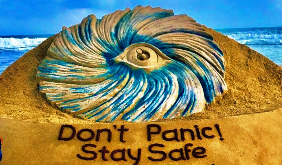 Prayers for everyone.  #CycloneNivar :Do not panic! Have Courage ,let's be prepared to stay safe and help others . One of My SandArt at Puri beach. https://t.co/KpYCJIoPho