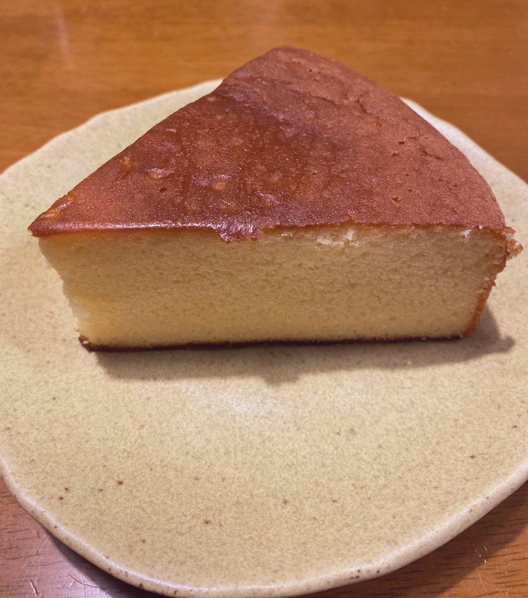 test ツイッターメディア - お取り寄せしたのを頂いた、広島の、長崎堂のバターケーキ。 めちゃくちゃ美味しくて感動♥ 大好きなルピシアのロゼロワイヤルと共にいただきます🙏♥✨ https://t.co/s8oPCl3n25