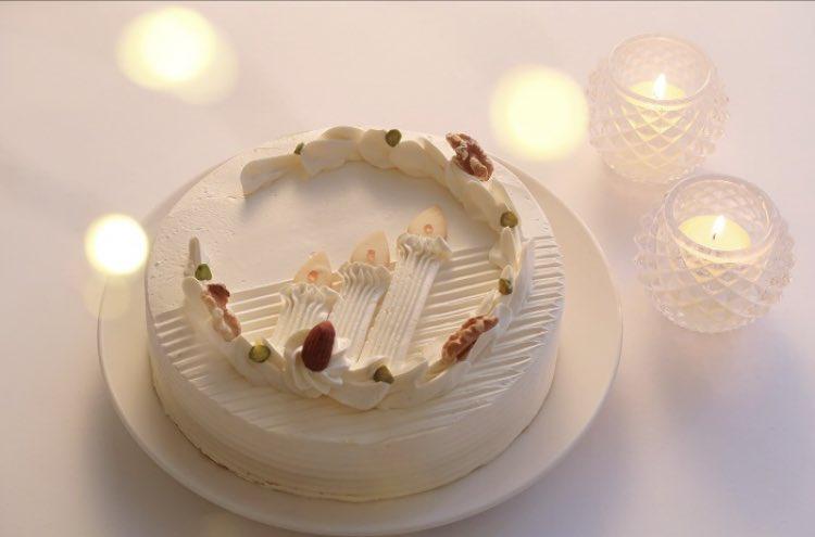test ツイッターメディア - いつもは家の近くのケーキ屋さんなんだけど今年は銀座ウエストのバタークリームケーキ予約した♡🎄🍰 可愛いしおいしそう〜 https://t.co/uULBCtEts6