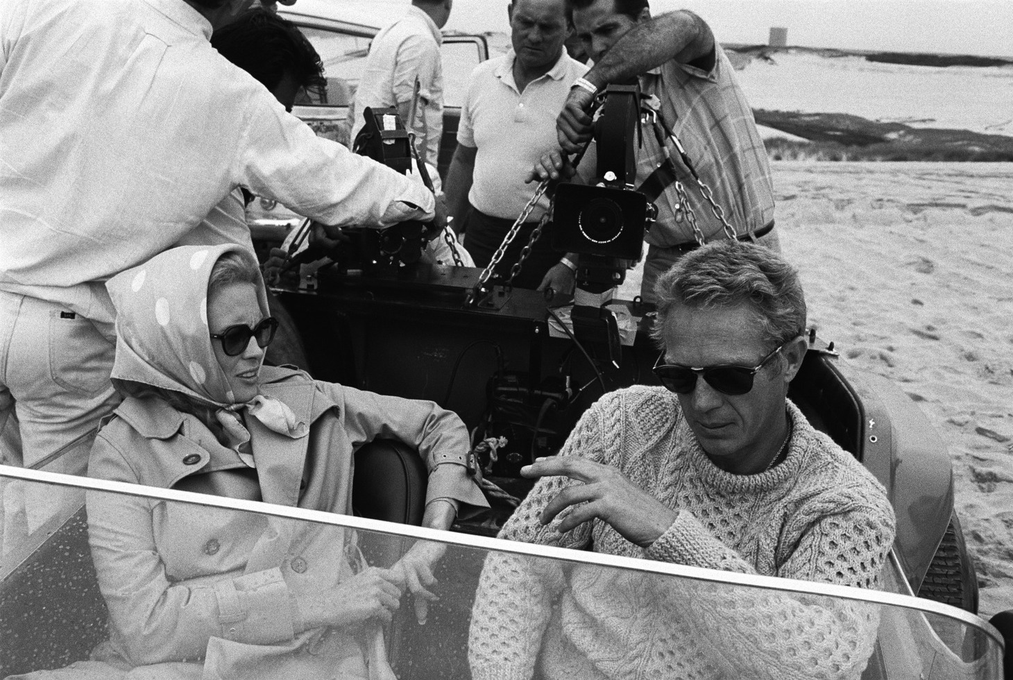 Faye Dunaway,Steve McQueen. The Thomas Crown Affair,1968 riprese https://t.co/OccvcMONja