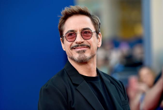 Bollywood actors as Marvel characters. A thread 🧵  Ironman:  Robert Downey Jr./Shah Rukh Khan
