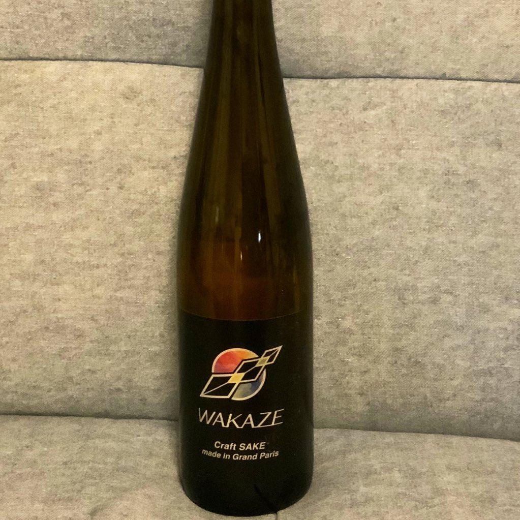 test ツイッターメディア - WAKAZE セラヴィ  完全に日本国外で作られた日本酒(正確には清酒) 米も水もフランス産  こういうのは初めて飲むんだけど バランスが取れていて良い 最初は甘みを感じるけどもそれがすぐに酸味に変わって 後に残らないのでしつこくない。 https://t.co/HJh9zUnclJ