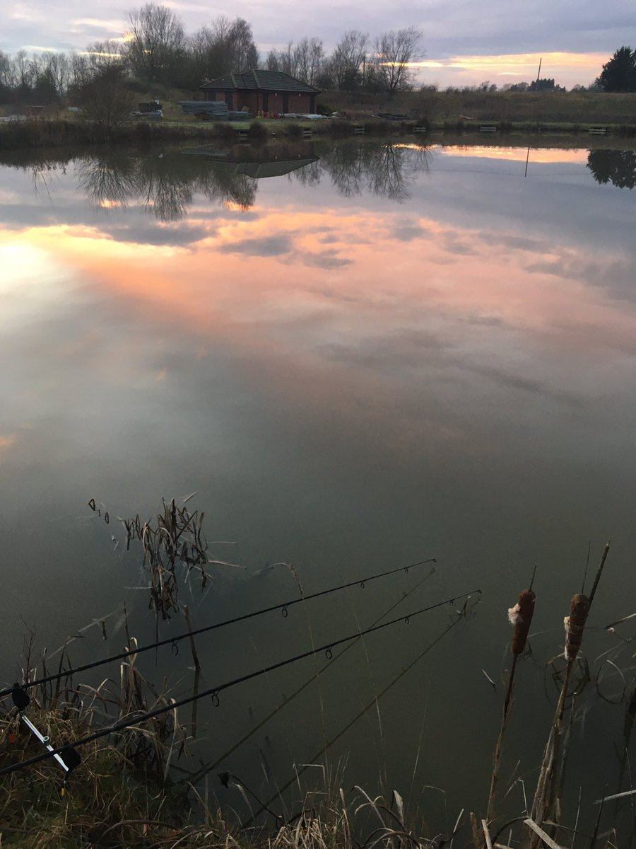 Another angle of this evenings <b>Sunset</b> 🌅  #Reflections #<b>Sunset</b> #carpfishing #fishing
