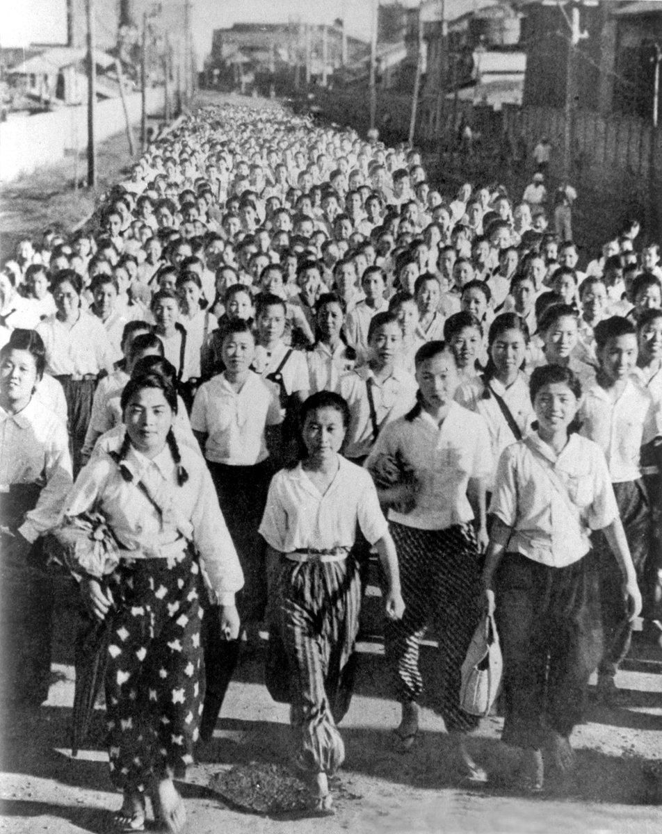 ウォーリー 朝日新聞フォトアーカイブ コラ 戦前 女子挺身隊に関連した画像-02