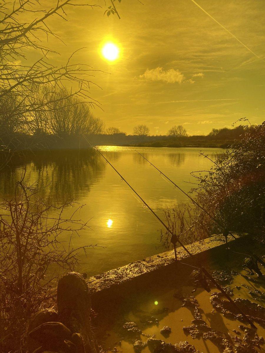 Nothing more relaxing in my book... #<b>Carp</b>fishing https://t.co/TjnYjeSXKM