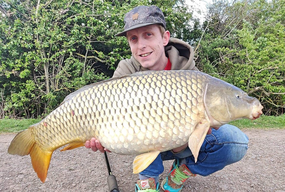 Team member Gaz with a bar of gold from a couple of years back! #carp #commoncarp #carpfishing #carp