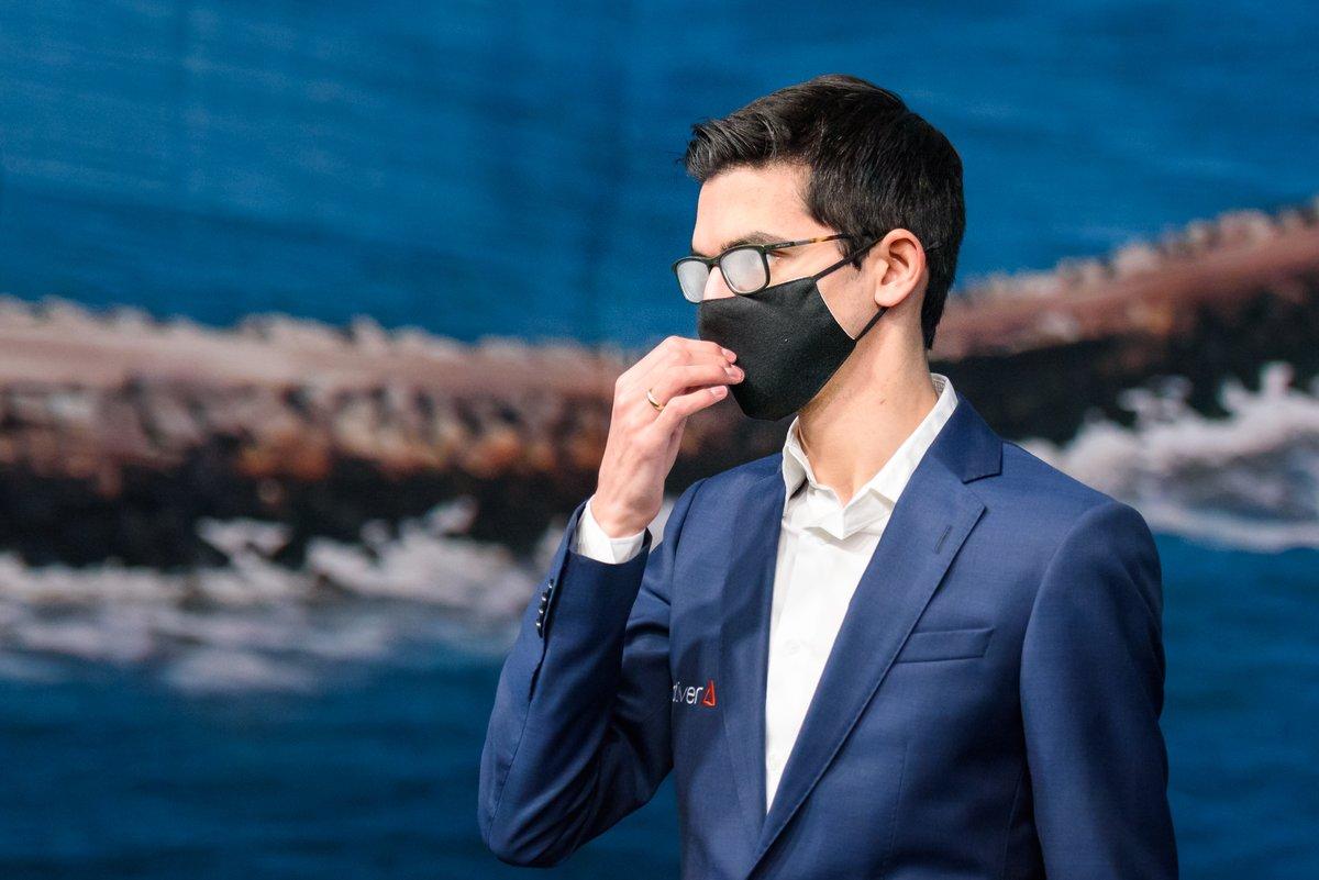 test Twitter Media - RT @alinalami: Foggy glasses club👀😊 #TataSteelChess https://t.co/logL2WEm39
