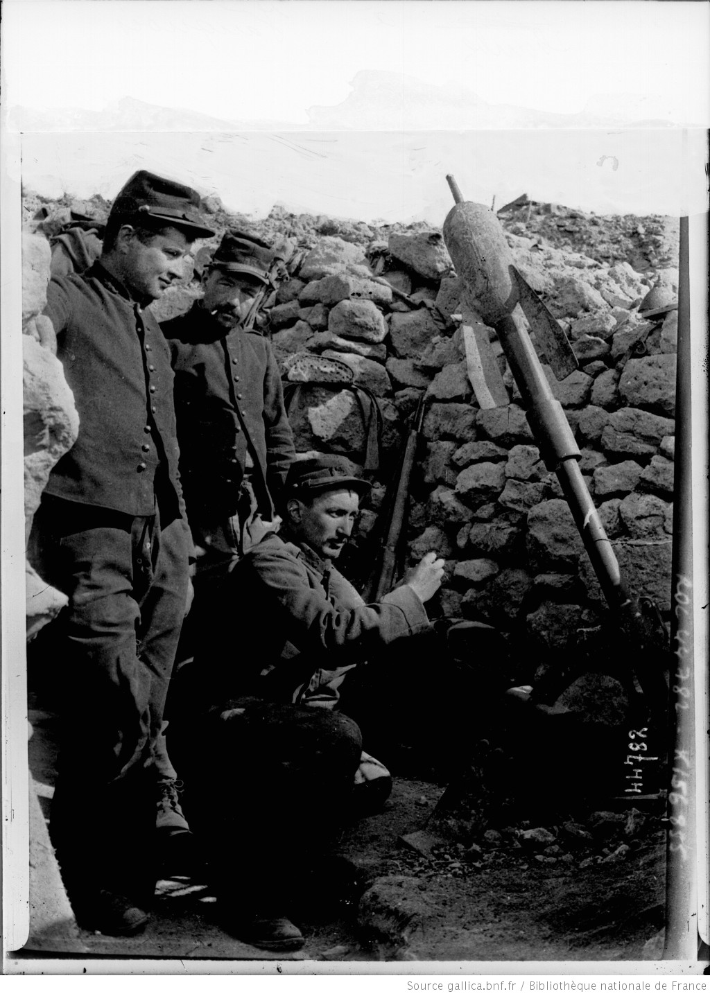"""""""Crapouillot"""" - the name given to French Trench Mortars & the men who manned them in the Great War, taken from the term for 'le petit crapaud', or 'the little toad'. These photos were taken in the trenches at Vauquois in 1915. #WW1 #1GM https://t.co/MDhIAl2zW7"""