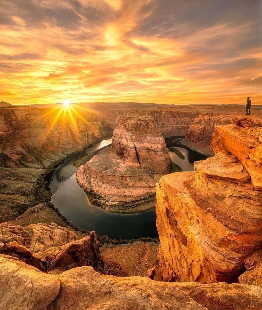 Sunset in Desert...🏜️ Arizona. https://t.co/QfaajLHClL