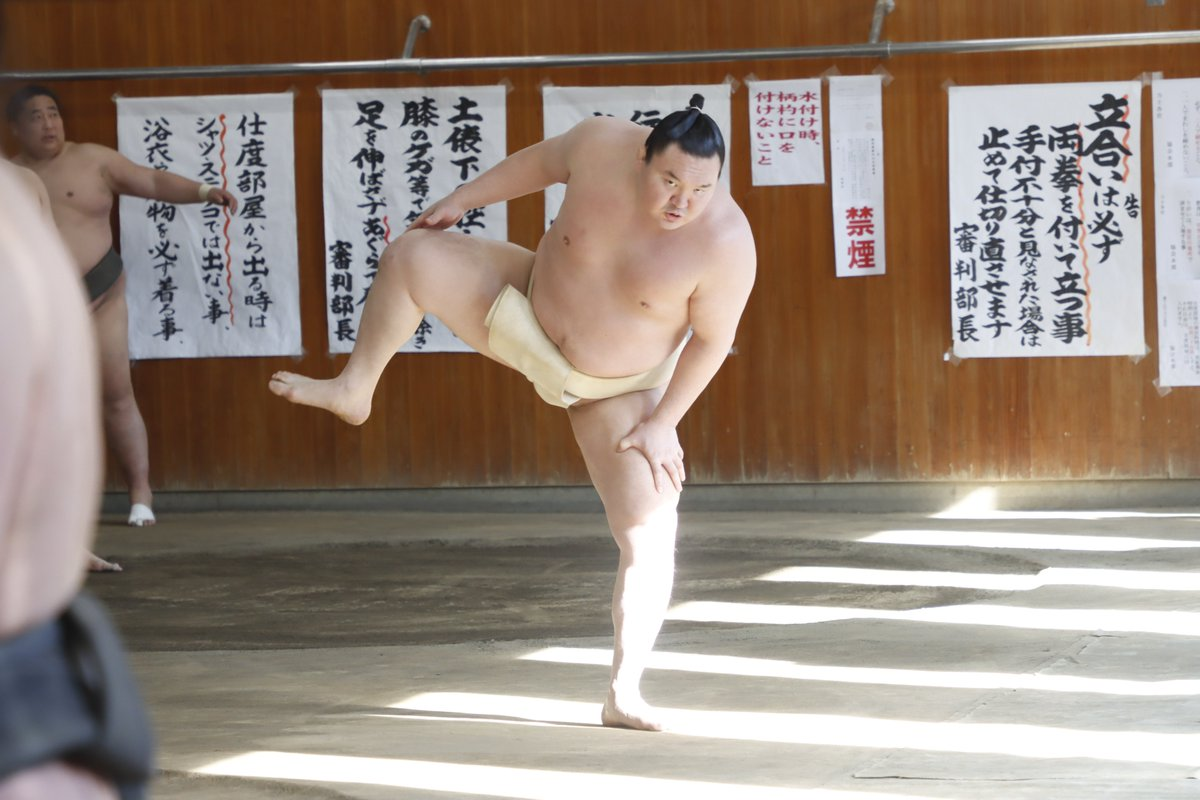 test ツイッターメディア - <合同稽古> 四股を踏む関取衆。 白鵬、阿武咲、若隆景、若元春、霧馬山。 #sumo #相撲 #春場所 #三月場所 #東京 https://t.co/WSsK3cjDh2
