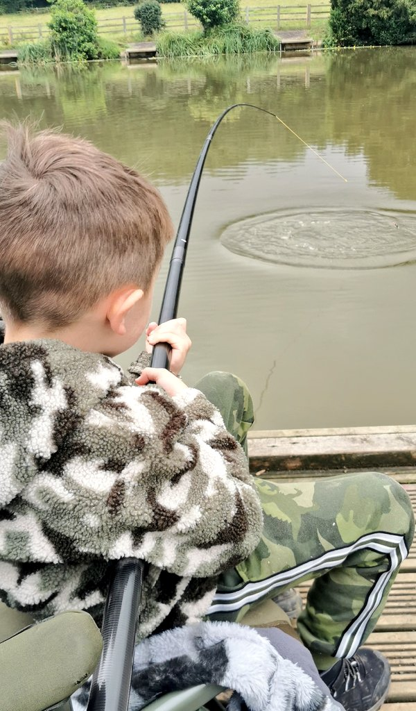 Yay! My dads finally taking me fishing on Wednesday. First outing of 2021 <b>🎣</b> #carp #carpfis