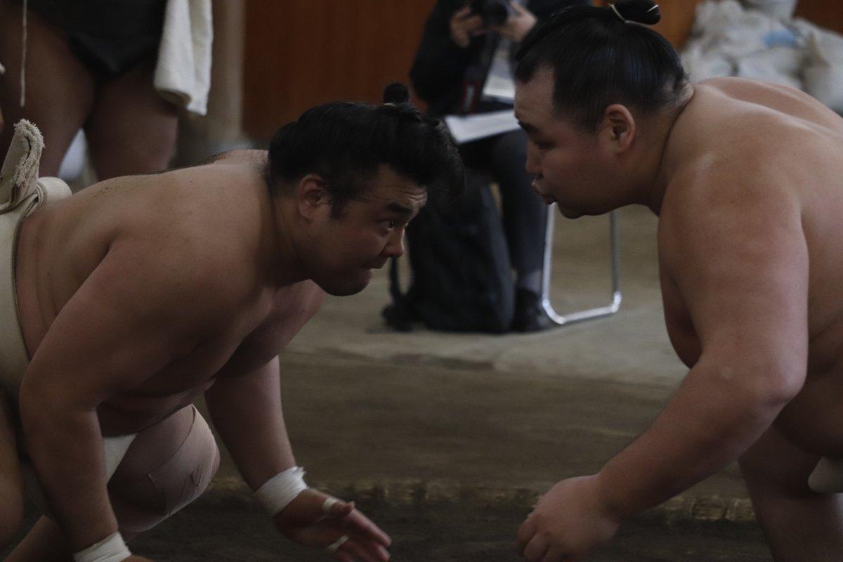 test ツイッターメディア - <合同稽古> 鶴竜に対し、押しの稽古。霧馬山、阿武咲、若隆景。  #sumo #相撲 #春場所 #三月場所 #東京 https://t.co/c445Kmsy75