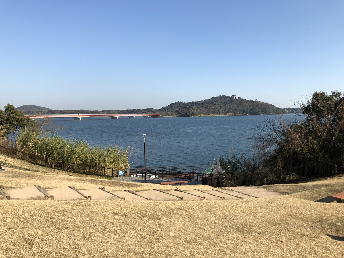 test ツイッターメディア - プチ旅行 スイーツのテーマパーク、transit監修だったhttps://t.co/GhDFPfYVMC うなぎパイの春華堂のお膝元。まあまあ良かったのに、人は少なくて穴場。 あとは浜名湖とか見た☀️   とにかく子供が重くて、左の手首痛めて麻痺気味。 #静岡 #浜名湖 #nicoe #春華堂 https://t.co/VtymflCkfI