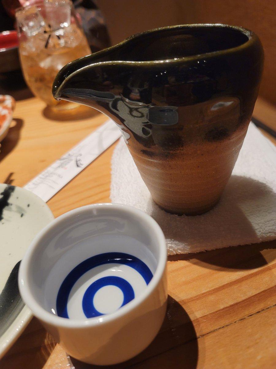 test ツイッターメディア - 近所の居酒屋で地酒飲むのも悪くないなぁ。新潟県加茂市雪椿酒造純米酒!安定感抜群! https://t.co/OerOVxFOcs