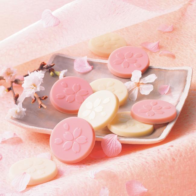 test ツイッターメディア - 🌸\桜のチョコでお花見/🌸 ロイズより「生チョコレート[桜フロマージュ]」、「ロイズさくらメレンゲ」、「さくらベリー&さくらホワイト チョコレート」、「ロイズさくらちょこまん」他さくら香るスイーツが2月16日より期間・数量限定で販売中!✨ https://t.co/8SXhPwym42