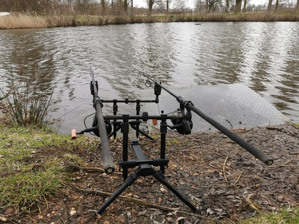 Nice to be back out <b>🎣</b> #carp #carpfishing #fishing https://t.co/SbNAYNrSXh