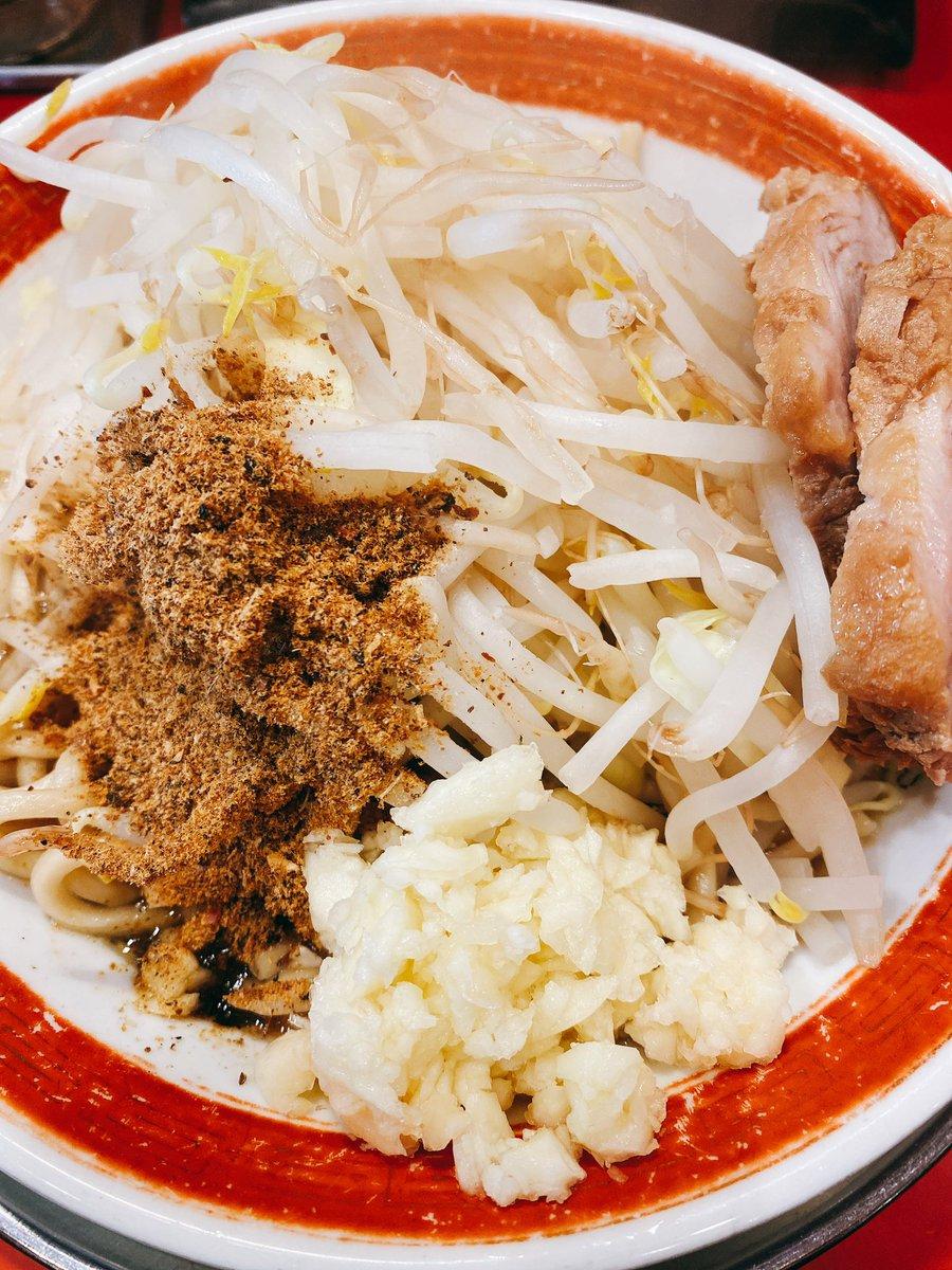 test ツイッターメディア - 今日のランチはラーメン食べました😁  二郎系ラーメンです🍜  週一は食べてしまう。。  #ランチ #ラーメン #ラーメン二郎 https://t.co/JloVmO8Z8v