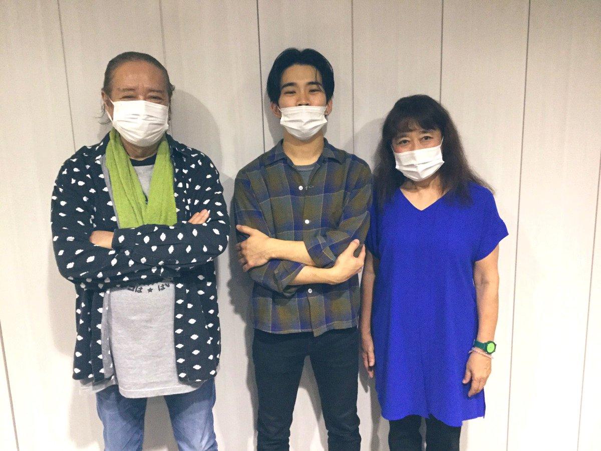 test ツイッターメディア - 我が師匠河上修さんとピアニスト栗田敬子さんのデュオアルバム 「K'S WALK AGAIN」が先日24日に発売🙆♀️ レコーディングを見学していた新井はなぜか指パッチンとシェイカーで参加しています笑笑 是非よかったら手に取ってみてね  https://t.co/k9WI62thZo https://t.co/ouP5mY2SOr