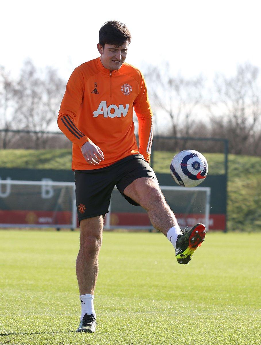 Training in the sun = #FridayFeeling! ☺️☀️  #MUFC #CHEMUN