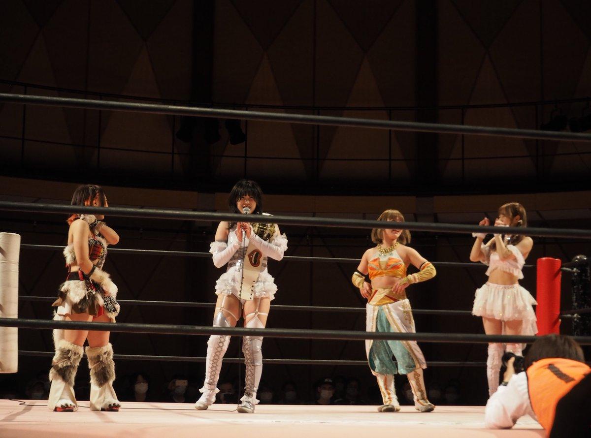 test ツイッターメディア - 20210227 東京女子プロレス アゼリア大正ホール 〆のマイク  大阪大会というのに、広島焼きだの赤福だの、なかなかのキラーワードがでてくるなか、拳を上げて、〆。 辰巳リカさん、座長さんのようでした。  #tjpw https://t.co/cpvZjG8EQ5