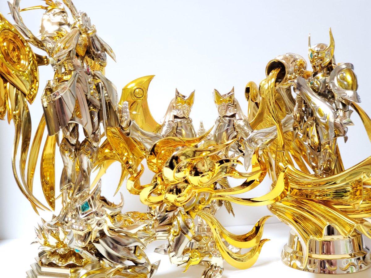 test ツイッターメディア - 飾ってある と言うか「ただ出しっぱ」になっている 神黄金集合写真 神黄金は十二体コンプしてはあるんですが 例の如く他の八体は開封もされず 積まれ、罪の塔の一角を築いています😰 #聖闘士聖衣神話 #聖闘士聖衣神話EX #ダイアクロン #ほねほねザウルス #メガミデバイス 罪の塔😱😣😵😖😭「積みの病」 https://t.co/2NIqfck6Up
