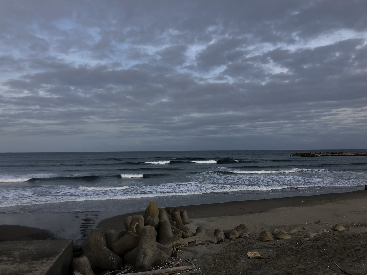 test ツイッターメディア - 気温は暖かったですが、 まだまだ寒い夕方の茨城の海 https://t.co/mLiN77YFvg