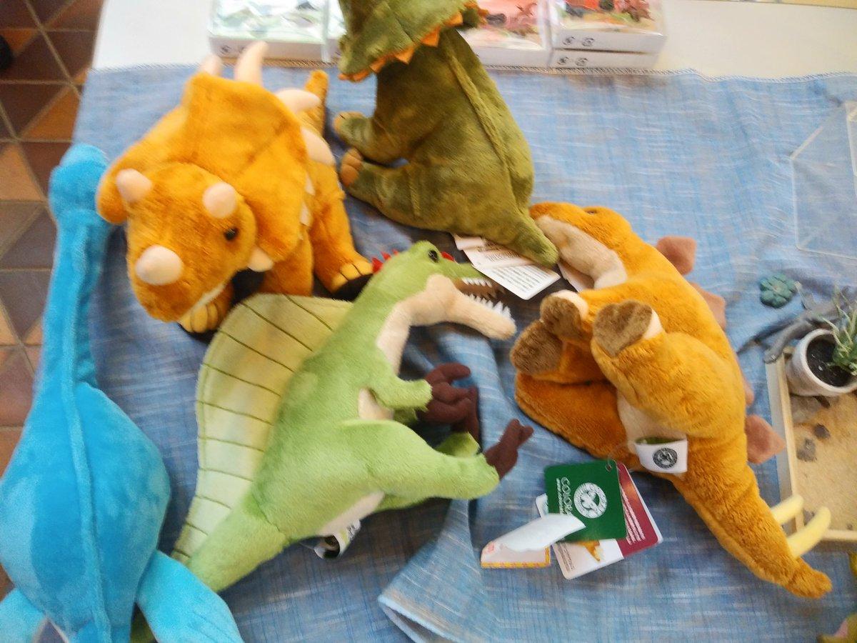 test ツイッターメディア - 🙌大入御礼、#みんなの恐竜学。ぬいぐるみたちもぐったり、ガチャガチャもからっぽ😣💦💦💦です。 #岐阜県博物館 https://t.co/ZFVYZbTnXM