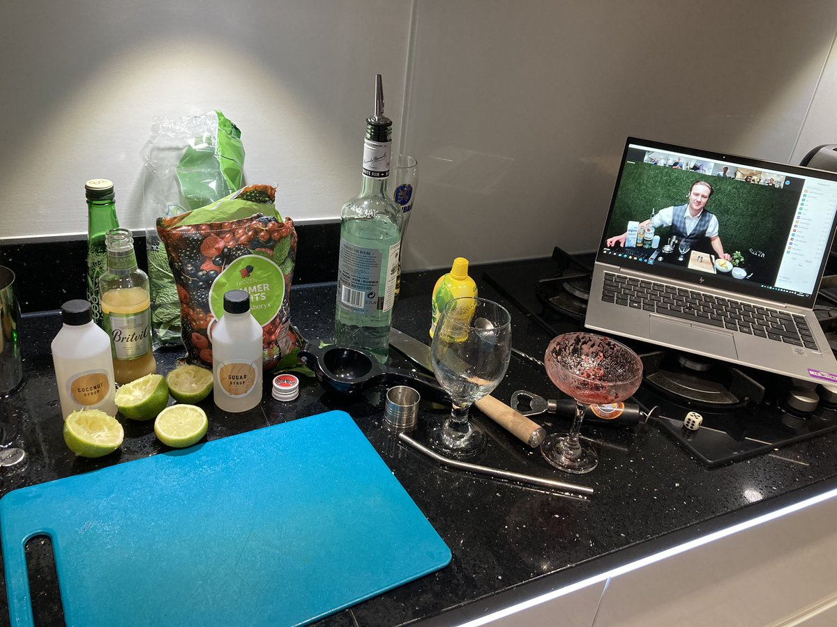 test Twitter Media - Cocktail class.  Learned how to make a mojito. Happy wiv that. #nutanix #brewtanix #softcat https://t.co/ciKtVr53zu