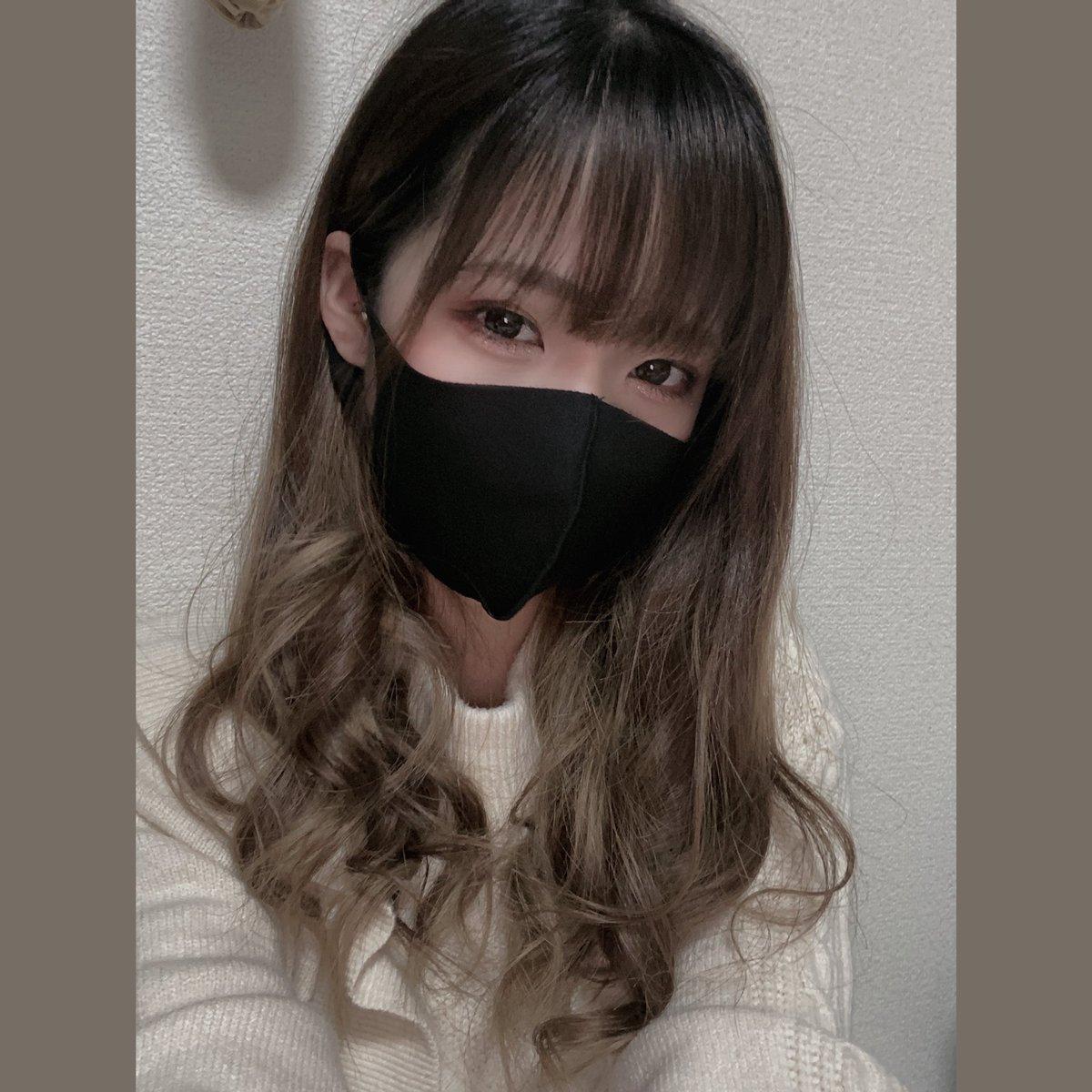test ツイッターメディア - このマスク、あつ森で最初見た時『だせぇ〜!ゲームだとしても現実だとしても絶対使わねえ〜!』と思ってたけど、コロナで色々変わってマスク必須になってから洗えるしなって使うようになって気づいたらゲーム内でも自然と使ってて草 https://t.co/F5jiPVqhR2