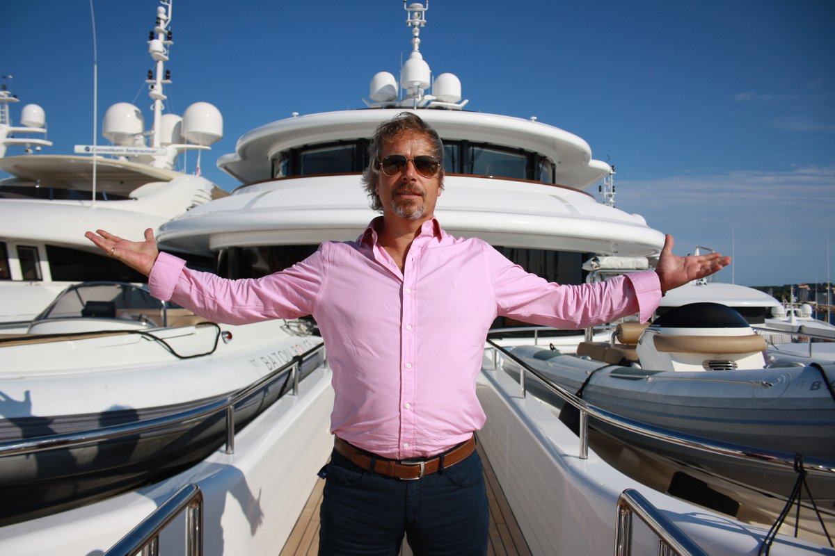 Tune into @More4Tweets tonight at 10pm for another chance to catch Million Pound Mega Yachts - a unique insight into the secret world of this £24 billion industry #SuperYacht #MonacoYachtShow https://t.co/Qdnfo3tSBb