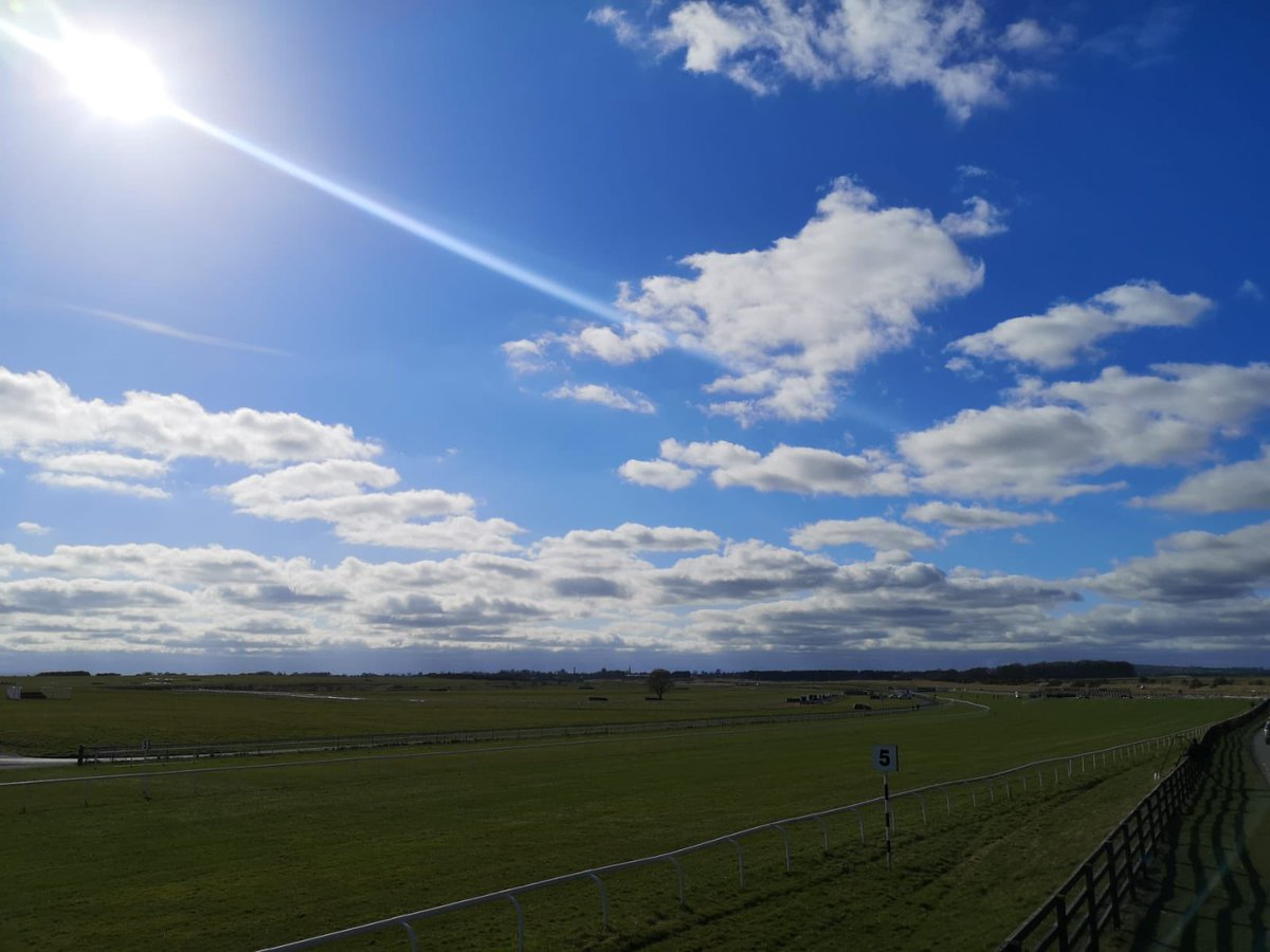 test Twitter Media - Isn't the @curraghrace looking stunning in the sunshine?! @Rasai_BEO @HRIRacing @RacingTV https://t.co/eUKCcg1Eld