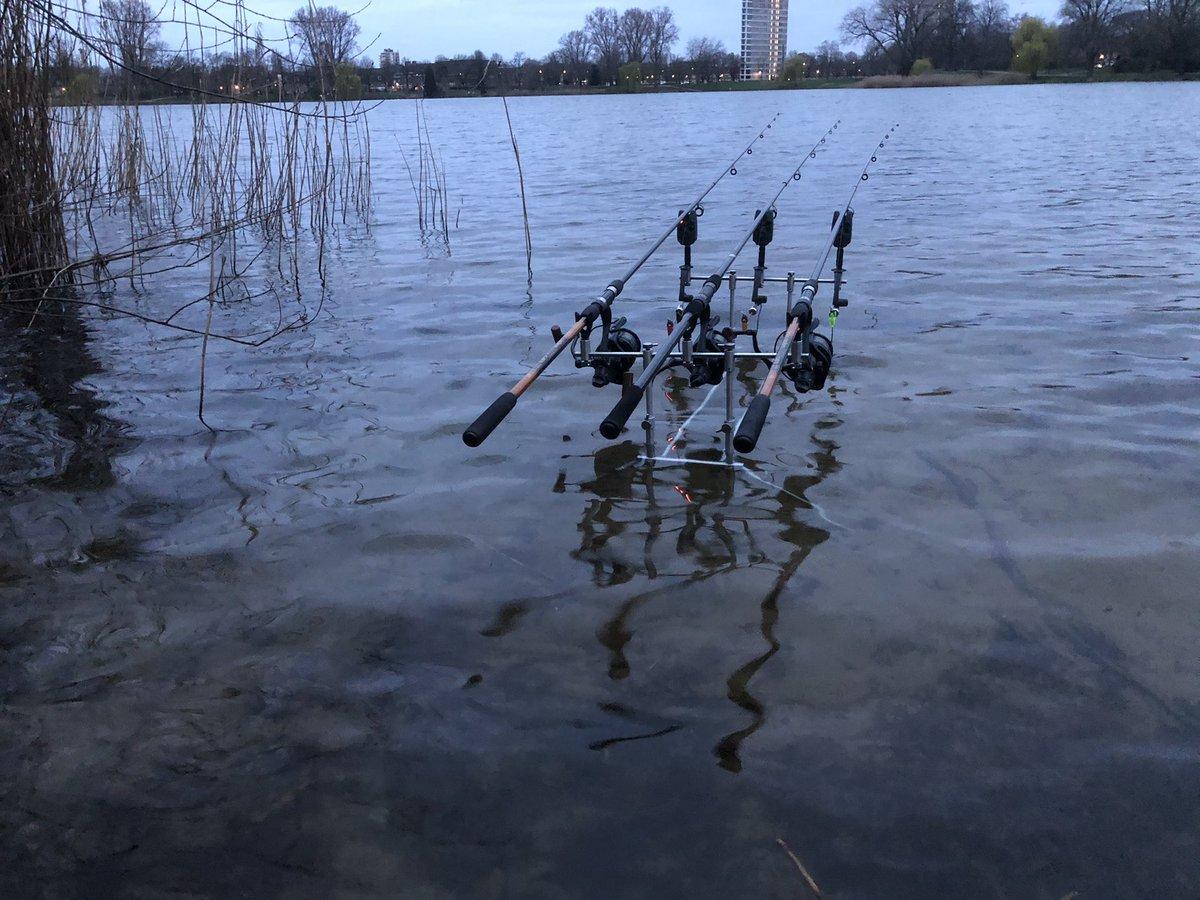 Rods are out. Let the fish do their job! 🎣🎣💪🏻💪🏻 #carp #carpfishing #karper #<b>Kar