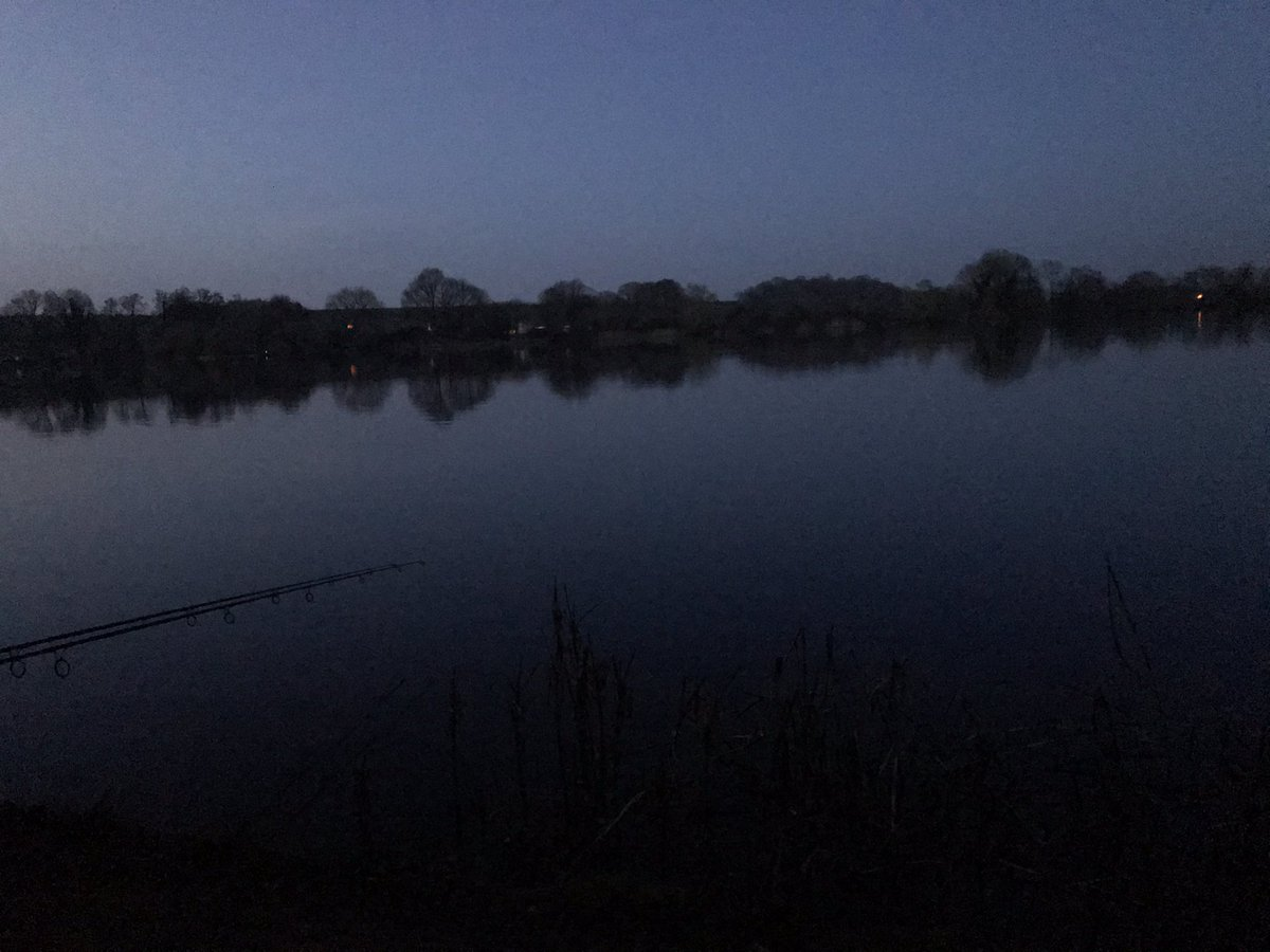 Rods are out for my first night on a new <b>Lake</b>, all 100acres of it ud83eudd1e for a bite. #fis