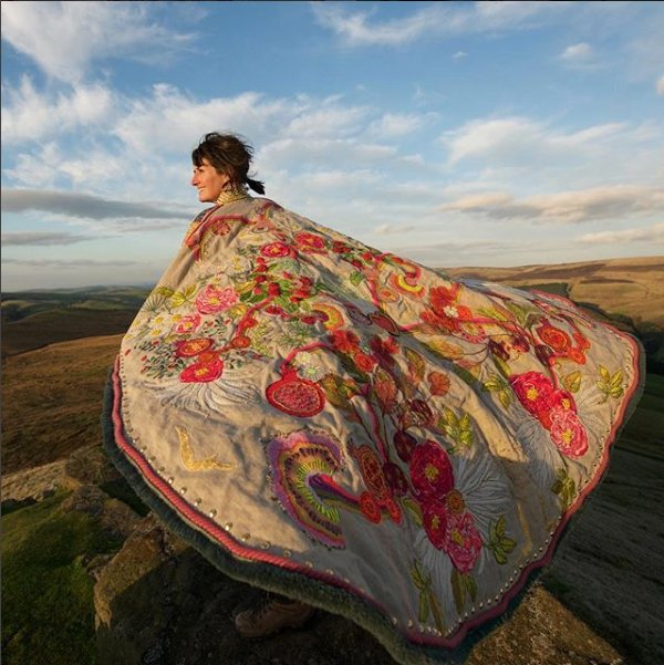 'Cape of Empowerment' by Louise Gardiner, contemporary British embroiderer #womensart https://t.co/0YnEmDKTwL
