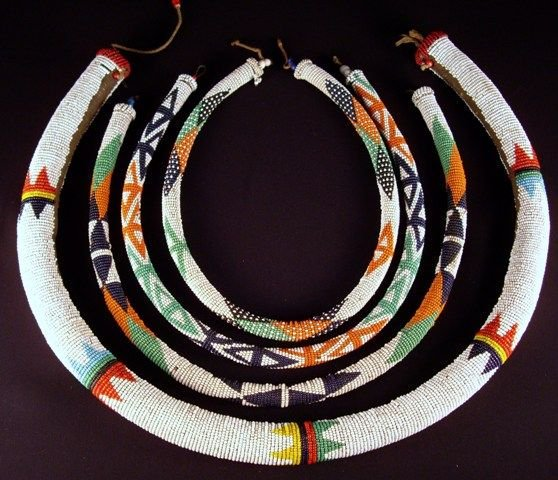 Tribal beadwork by Southern African Zulu artisans, each necklace is encoded with specific meanings #womensart https://t.co/XGdMI0FEZj