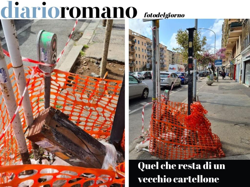test Twitter Media - In via Tuscolana, altezza civico 781, un palo arrugginito e una vecchia palina pubblicitaria sono stati dimenticati. Non può mancare la rete arancione che tutto circonda in eterno. #Roma #fotodelgiorno https://t.co/oq8wSVcsDI