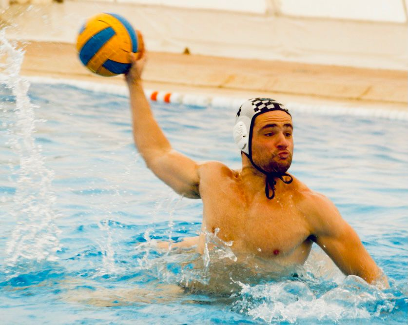 test Twitter Media - RT @waterpoloalba: ALFONSO BISBAL.   #SiempreEnMiEquipo   💔  https://t.co/lyYO2zINHT https://t.co/4BP5Nkr3rQ