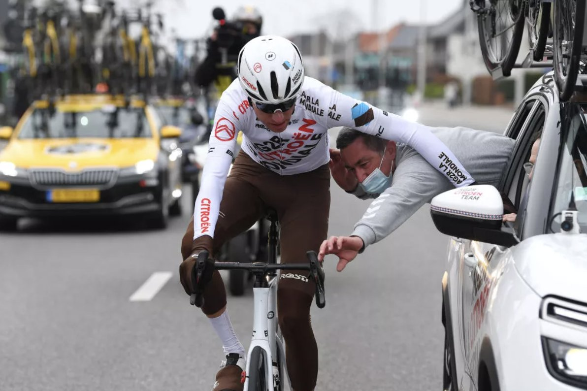 test Twitter Media - Michael Schär: A bottle reminded me of my cycling dream every day  Disqualified after throwing a bottle to fans the AG2R rider reflects on how significant that race memento can be  https://t.co/kLnBQM2hps https://t.co/ASe0afAZ2L