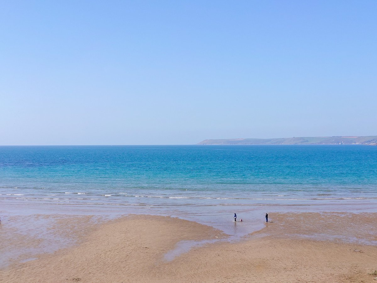 test Twitter Media - B I G B U R Y It's the simple things in life. Blue sky, sunshine and the beach pretty much to yourself.  #Bigbury #Devon #SouthDevon #VisitDevon #LoveDevon #ExploreDevon #SWIsBest #Beach https://t.co/MVOzyNiOAP