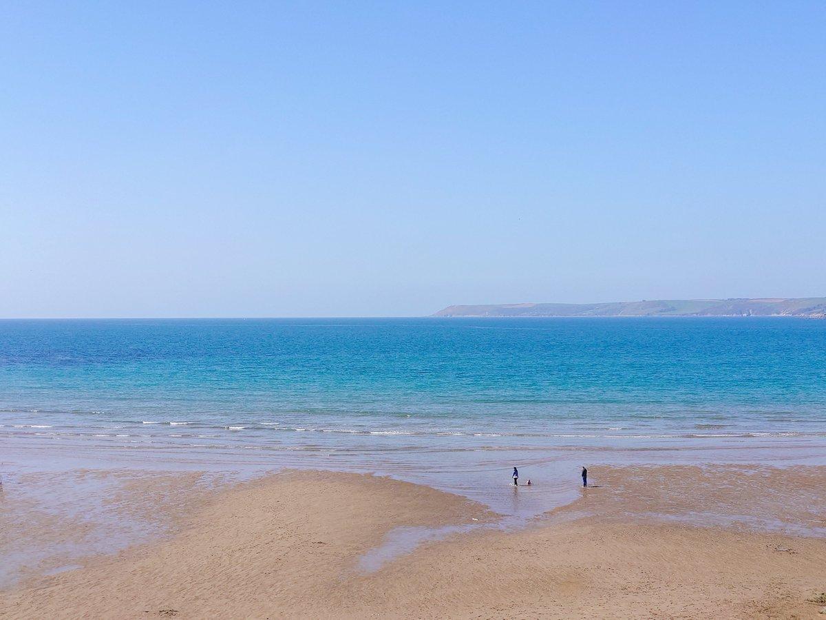 test Twitter Media - B I G B U R Y It's the simple things in life. Blue sky, sunshine and the beach pretty much to yourself.  #Bigbury #Devon #SouthDevon #VisitDevon #LoveDevon #ExploreDevon #SWIsBest #Beach https://t.co/MVOzyNiOAP