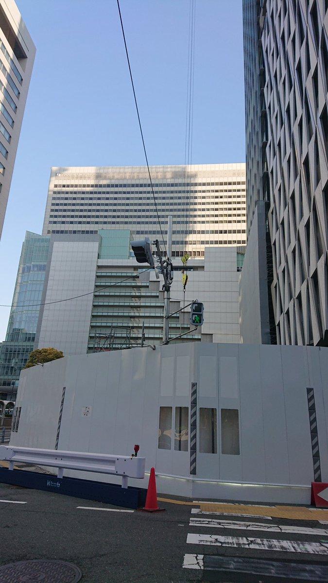 test ツイッターメディア - 阪神百貨店の建設地  めっちゃ長いクレーンやなぁ https://t.co/4slnpm0vmP