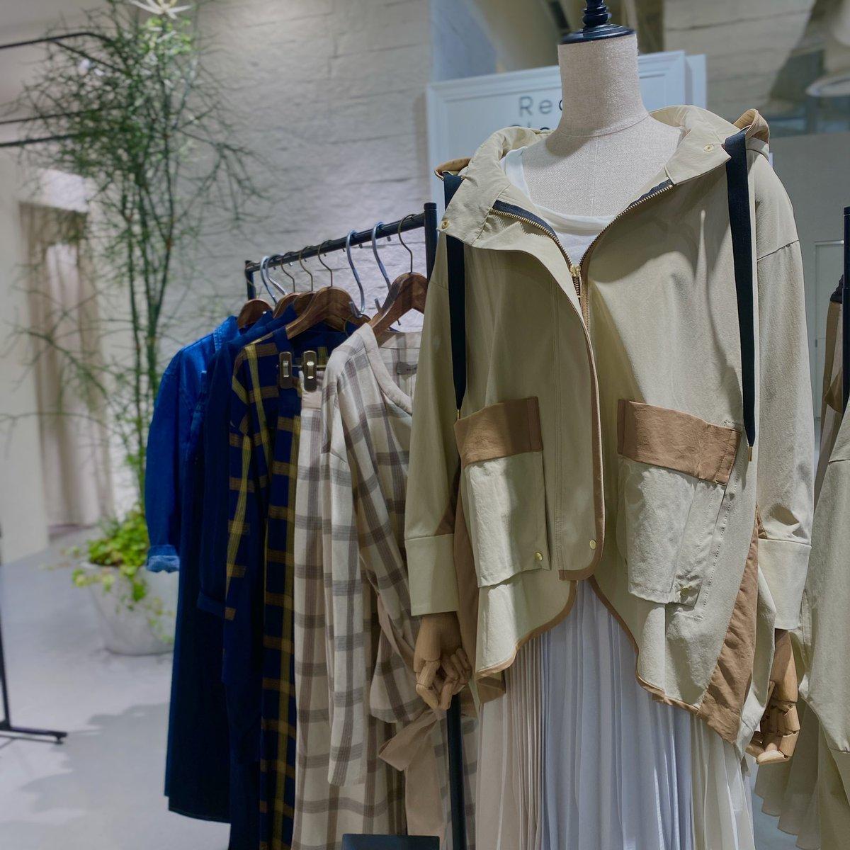 test ツイッターメディア - 【エトレリー】  阪神百貨店4階ポップアップで出店しています。  4/7-13までですが、元々生産してないようなので、お早めに😊  このジャケットが可愛かったです♬  #エトレリー https://t.co/LZxA5l5BhD